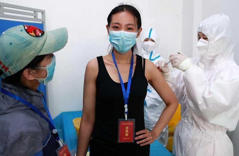 Вакцина от коронавируса: соперничество между США и Китаем