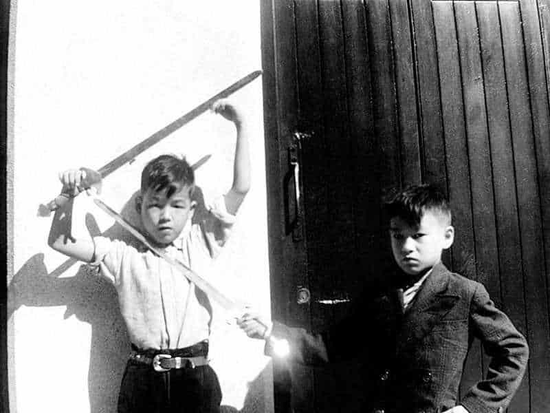 Брюса Ли и его брат