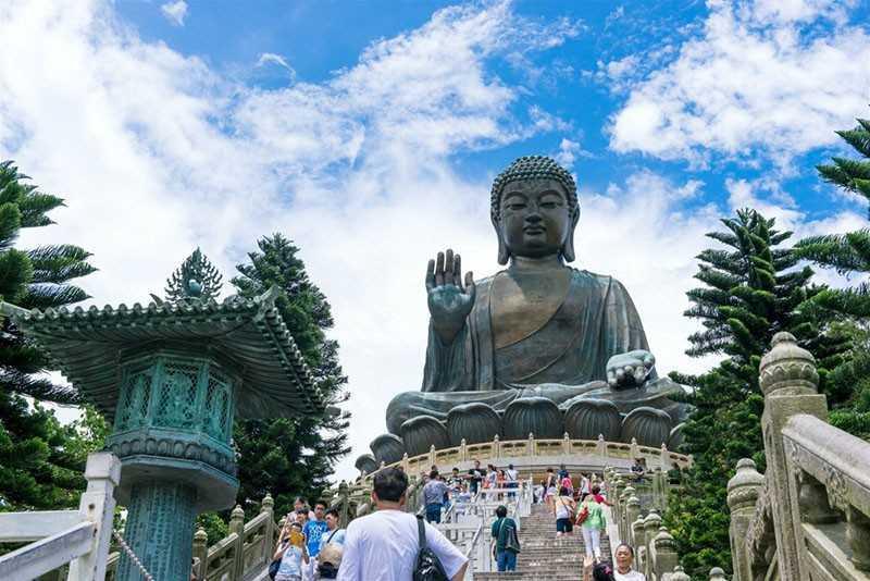 36-метровый Будда на острове Ландау