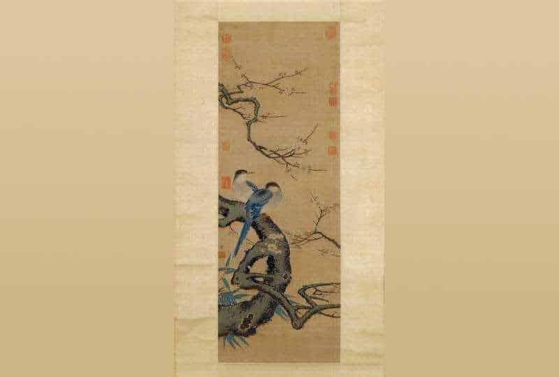 Шелковый гобелен с картины «Цветущая слива и Сороки» (梅鹊图)
