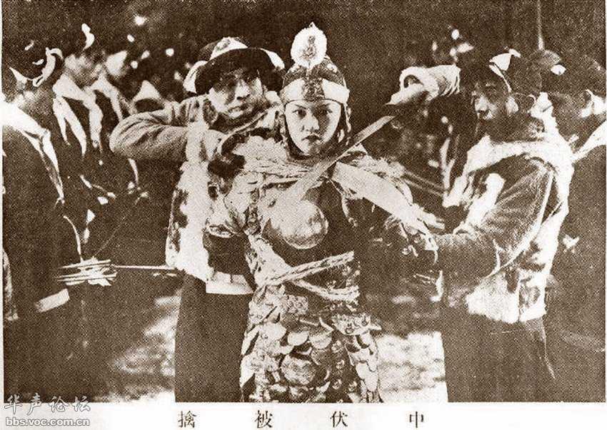 Ли Сяцин на съёмках фильма «Мулань идёт в армию» (木兰从军), 1928 год. Источник: bbs.voc.com.cn