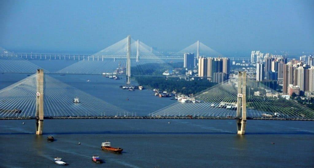 Город Ухань - трехградье и мосты