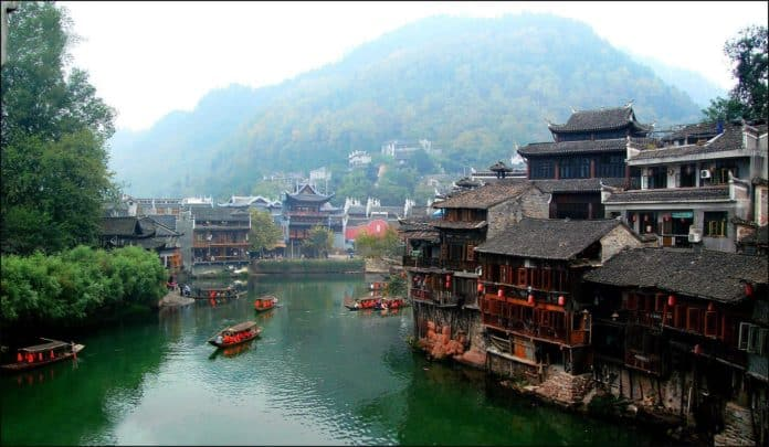 Фэнхуан – древнее чудо современного Китая